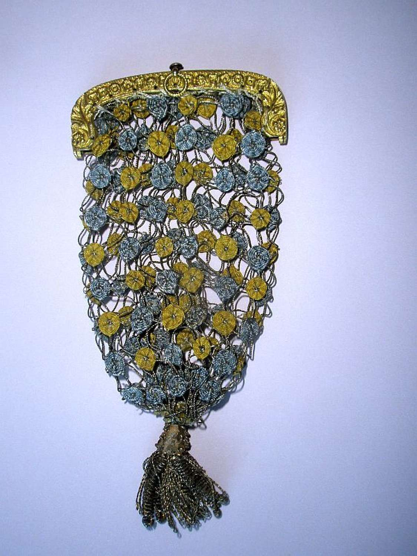 A rare and unusual Georgian spider web purse ca. 1810'