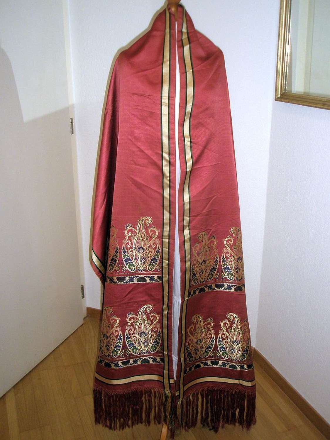 Elegant raspberry silk long shawl. English ca. 1830