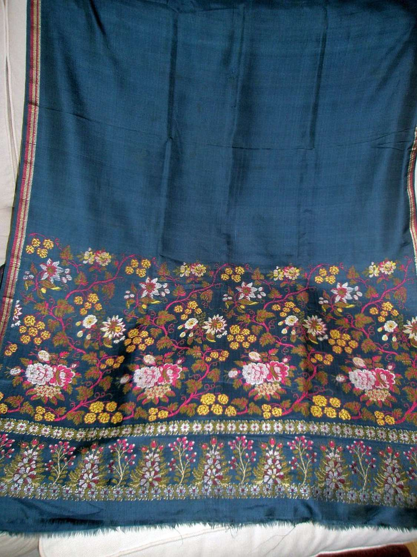 Superb silk floral Spitalfields shawl. English ca.1815