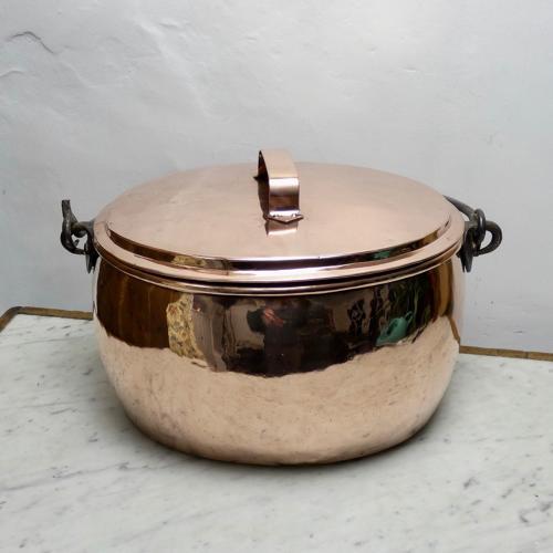 Large English cooking pot.