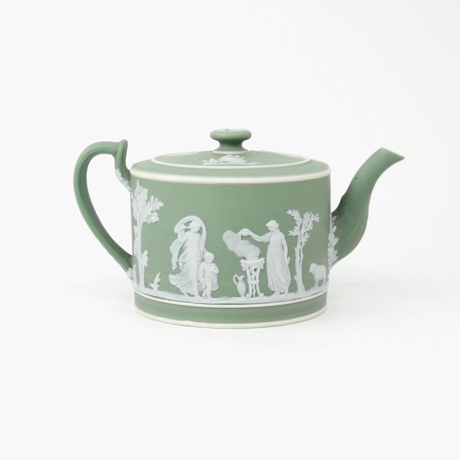 Green, drum shaped teapot