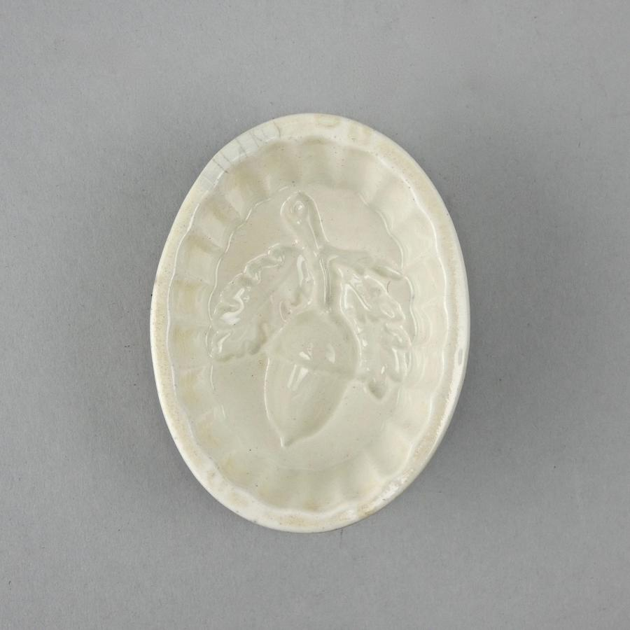 Small mould with acorn