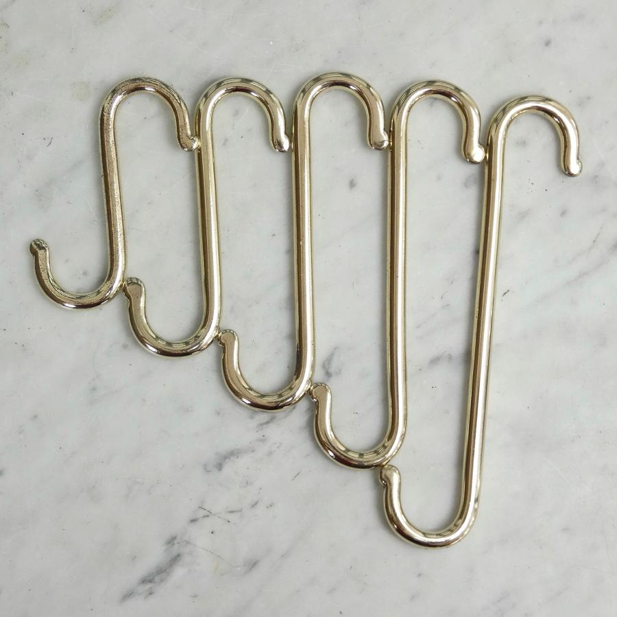 Set of 5 brass 'S' hooks