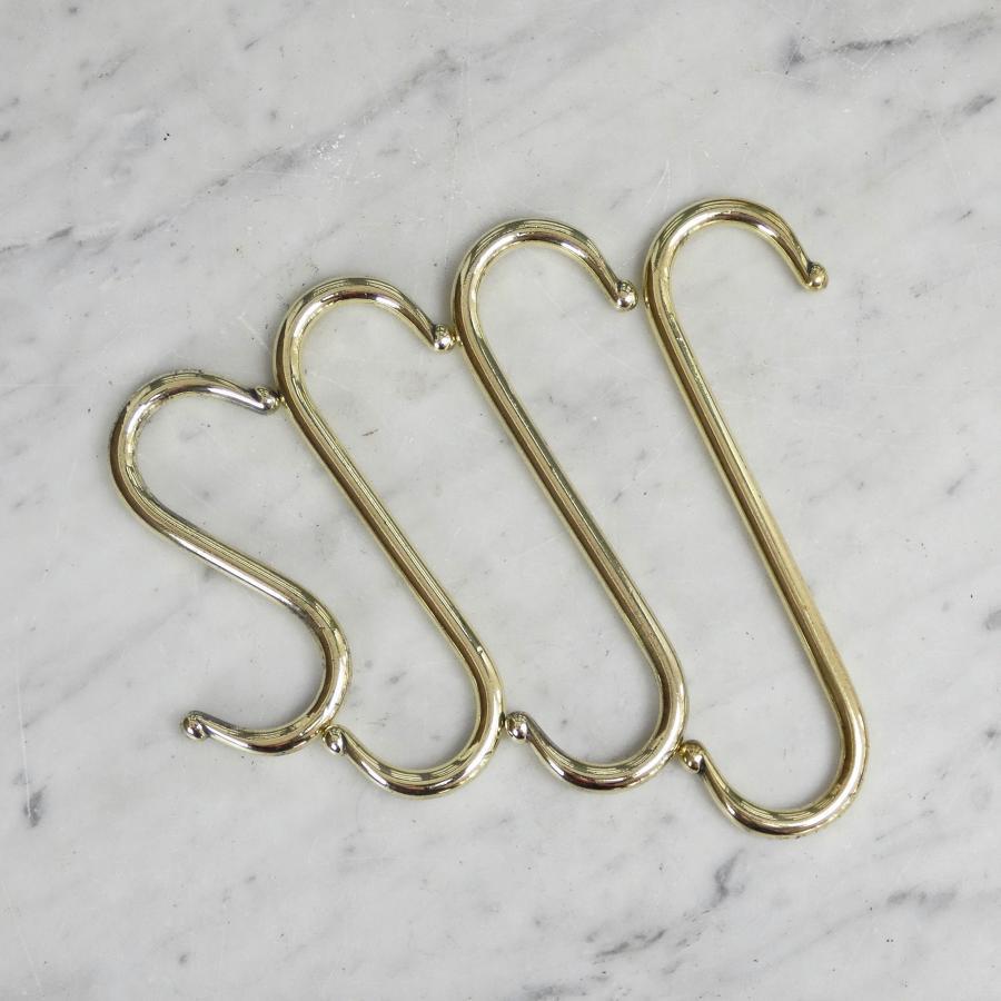 Set of 4 brass hooks