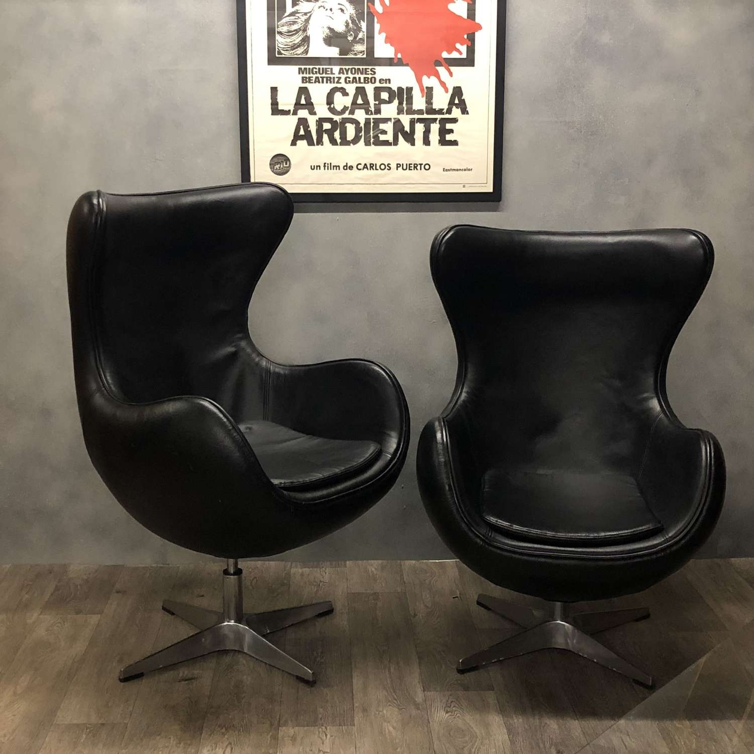 Arne Jacobson style Egg Chair Black Leather