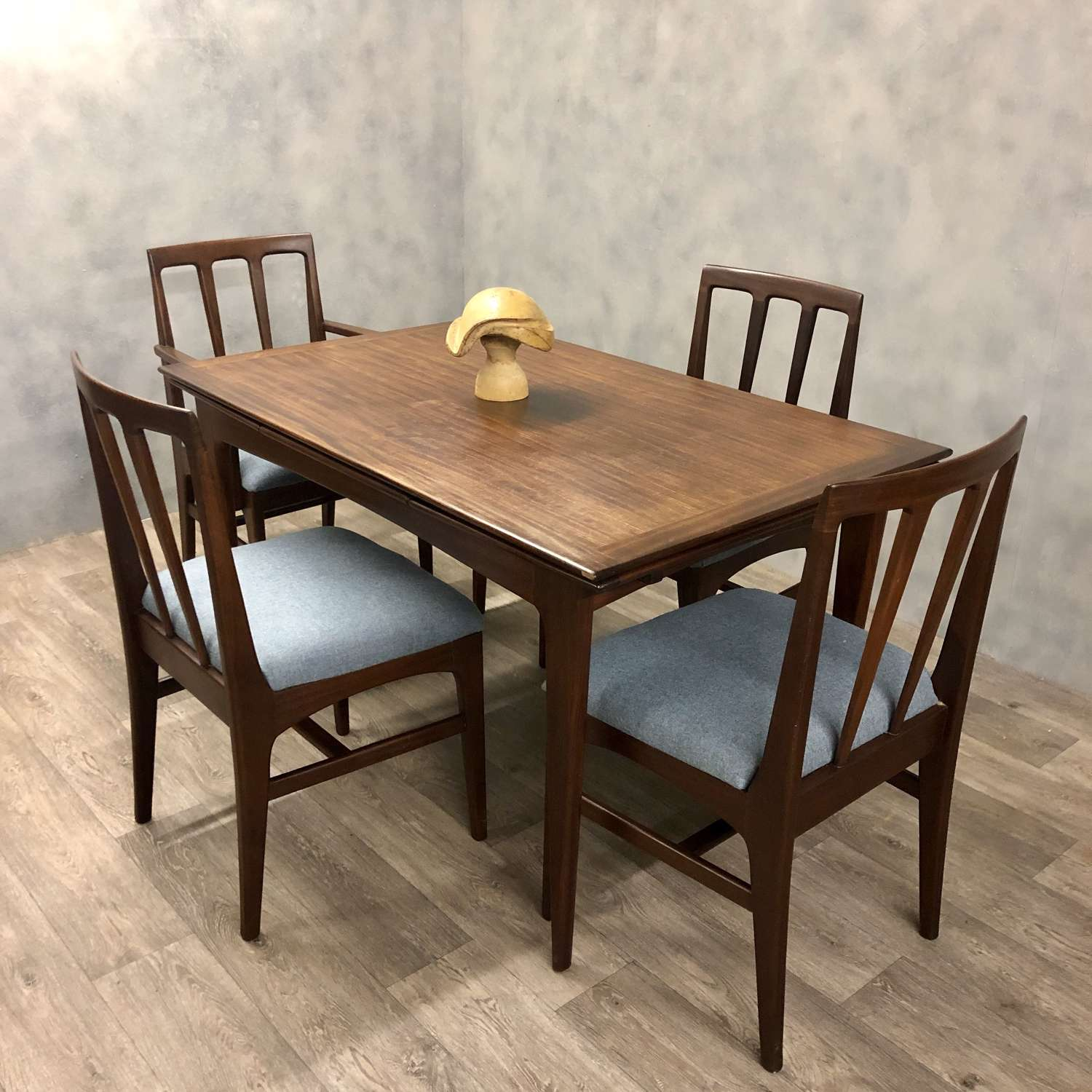 Beautiful Midcentury A younger extendable dining table