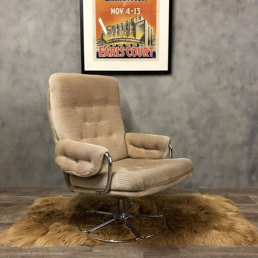 Vintage swivel chair by British Sherborne