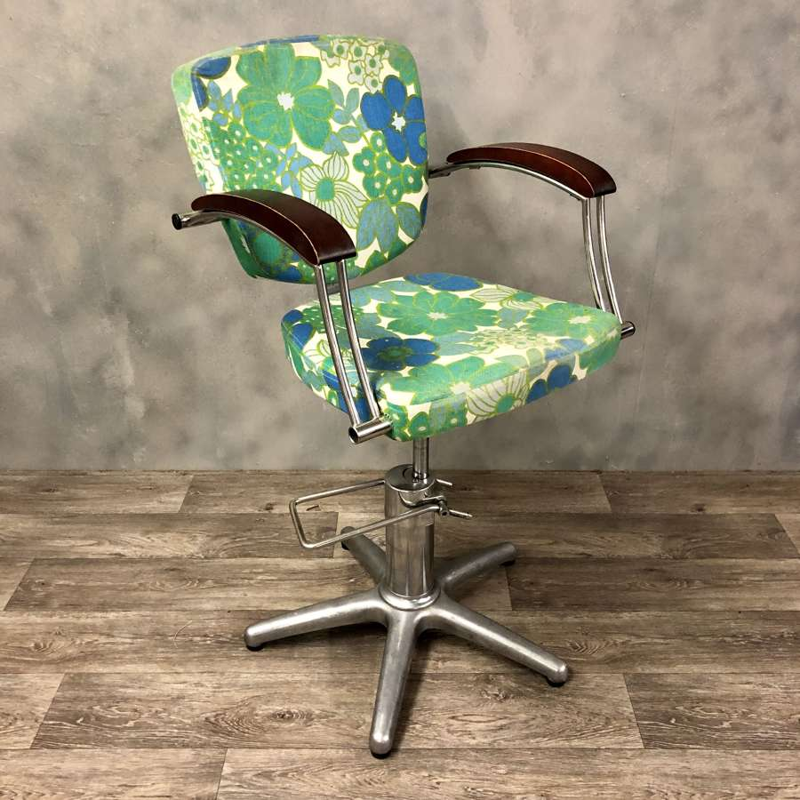 Vintage 70s salon chair in stainless steel