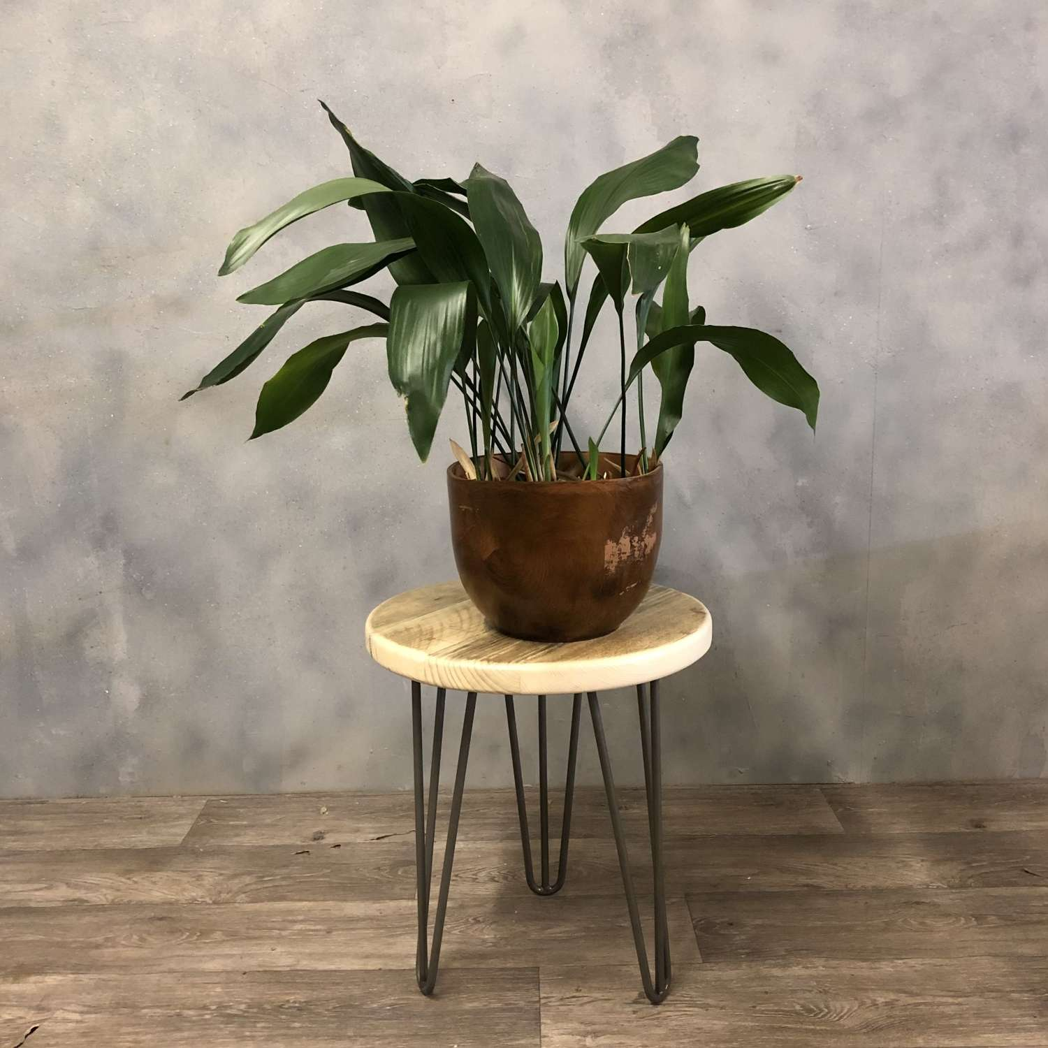 Hairpin occasional table or plant stand (low)