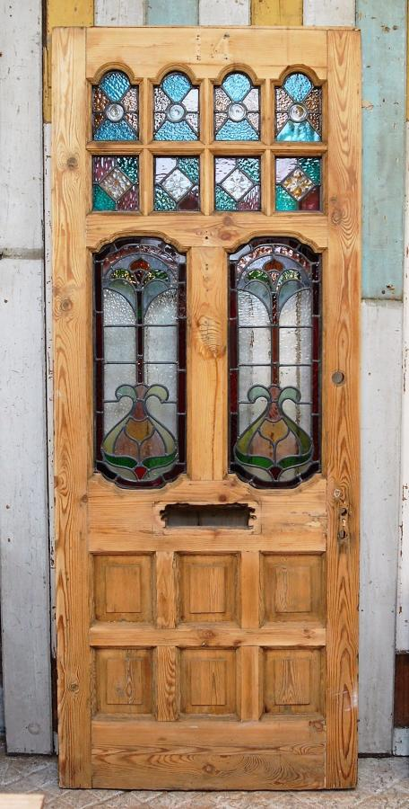 DE0806 A BEAUTIFUL STAINED GLASS VICTORIAN PINE FRONT DOOR