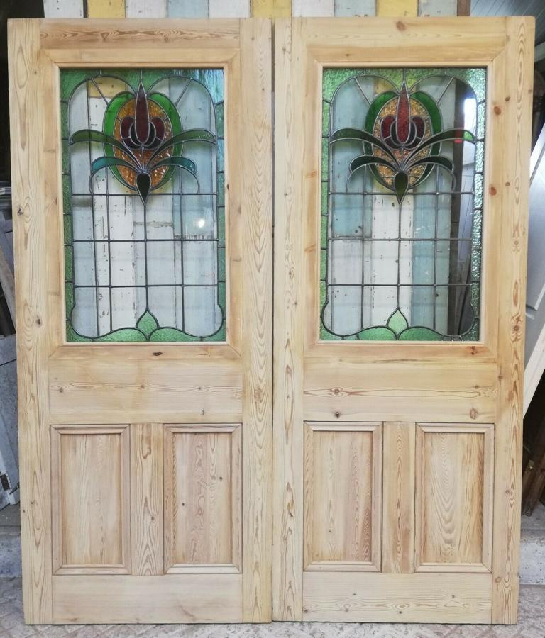 DP0264 PAIR OF RECLAIMED VICTORIAN PINE DOORS WITH ART NOUVEAU GLASS