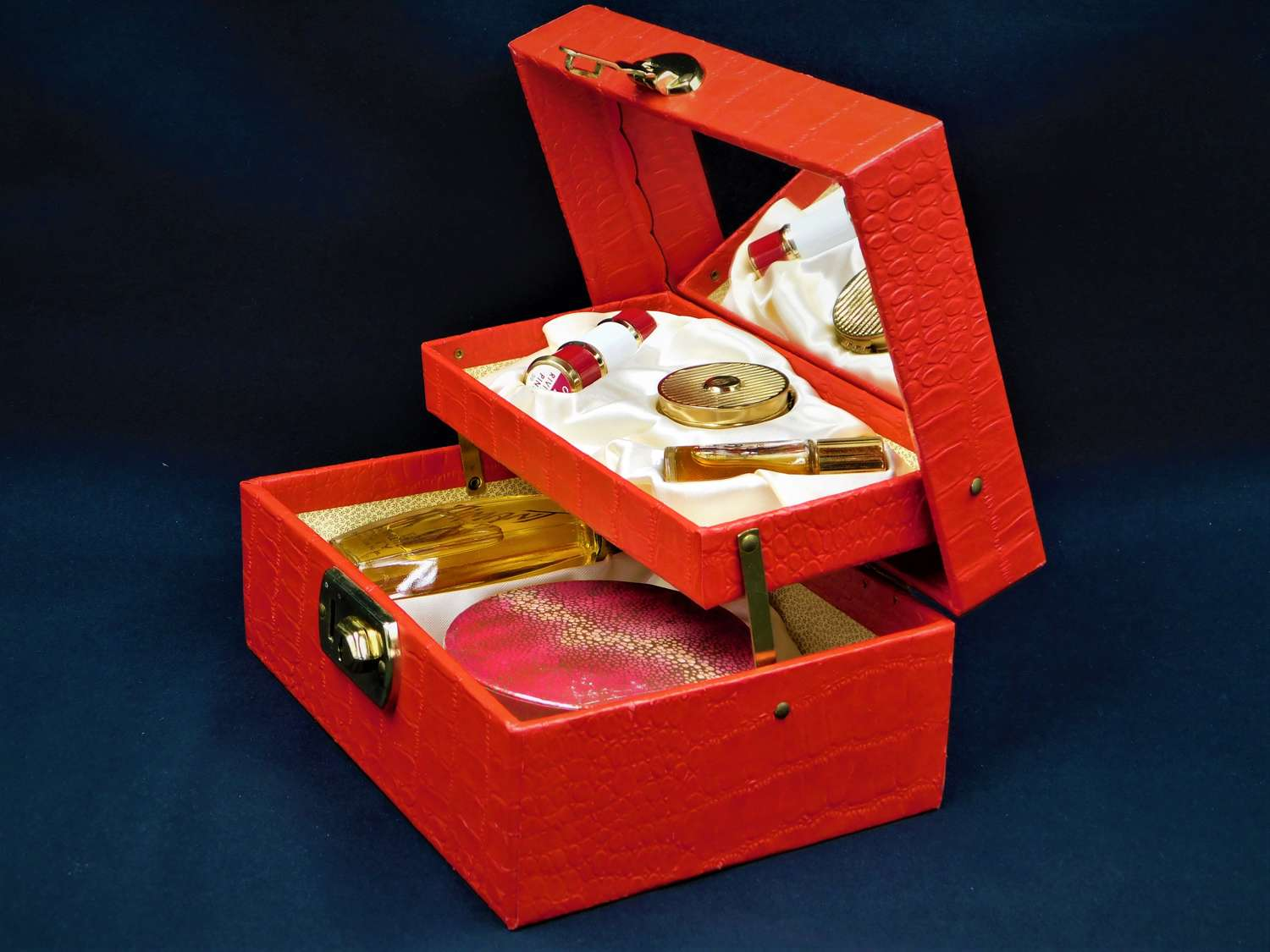 Coty L'Aimant 2 Tier Gift Box
