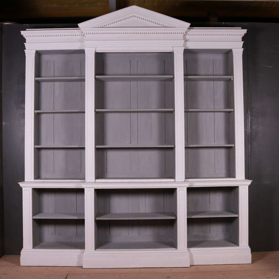 Cupboards & Cabinets