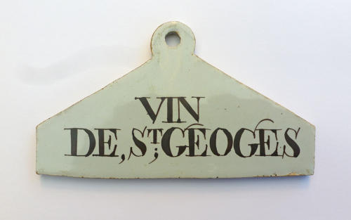 A very rare Delftware bin label for VIN, St. GEOGES
