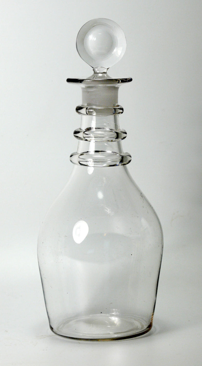 6571 A plain 'prussian' decanter with a target stopper