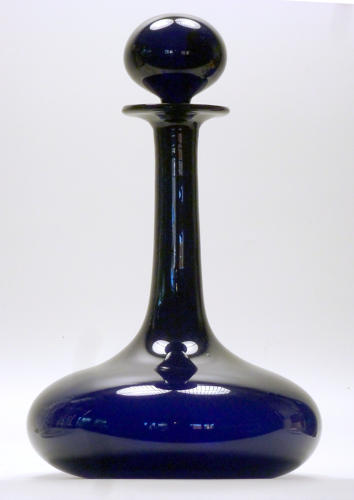 6593 A deep blue 'mell' decanter with ball stopper