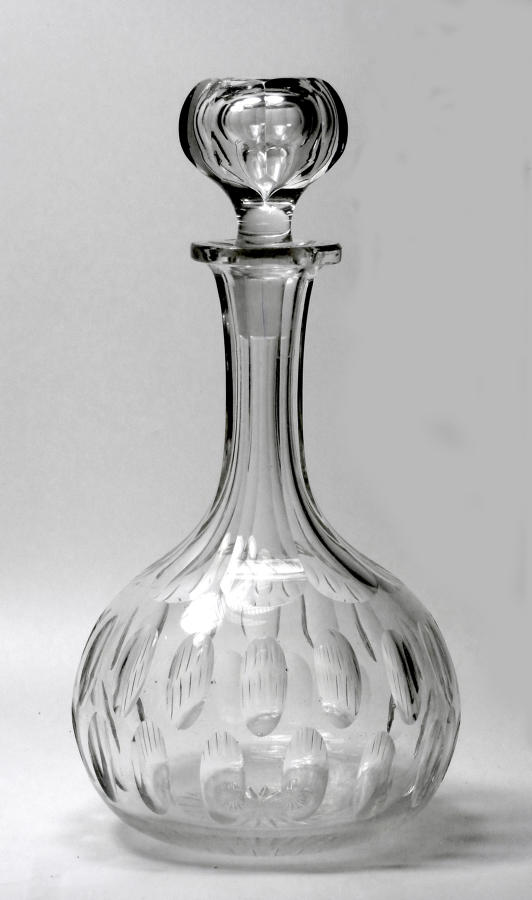 6603 A good Victorian Magnum shaft and globe decanter