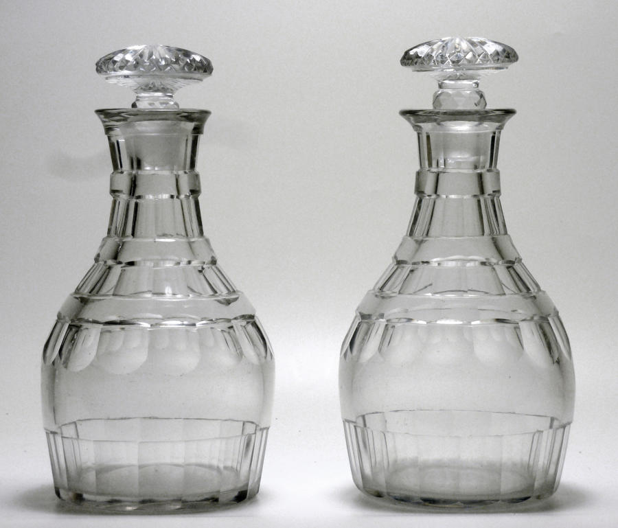 6616 A fine pair of Georgian decanters