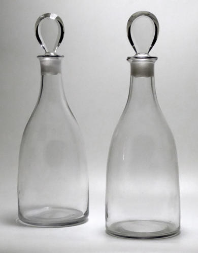 6614 A fine and rare pair of Georgian magnum decanters