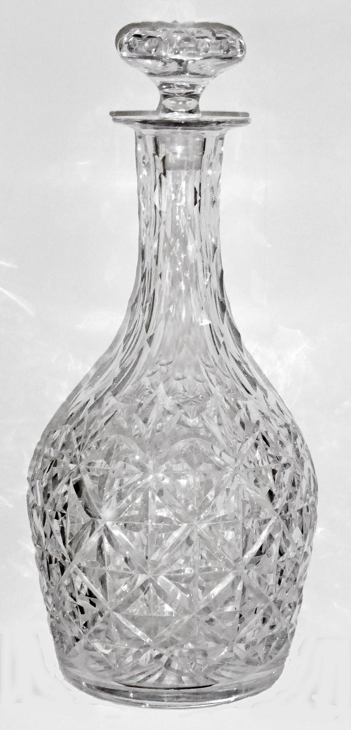 6624 A large and impressive magnum decanter