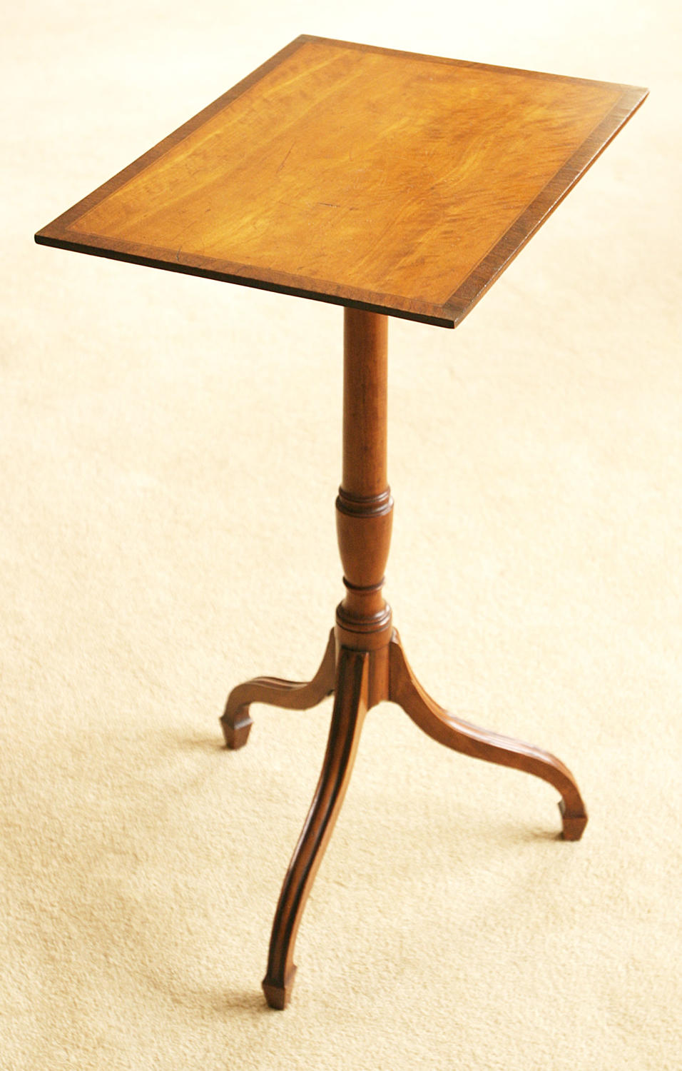 9319 A fine satinwood tripod table