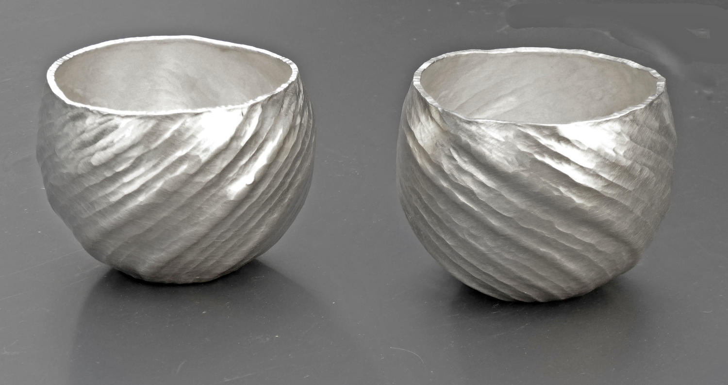 6635 NEW  A pair of fine silver tumblers by William Lee