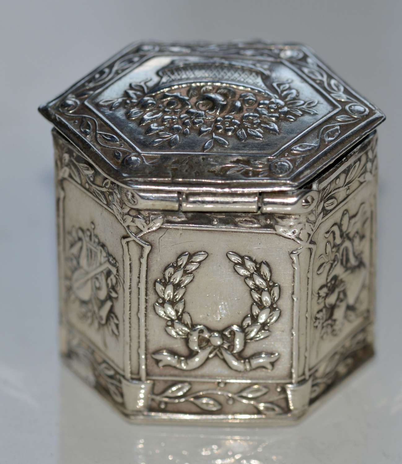1906 Solid Silver Pill Box - Art Nouveau by Edwin Thomas Bryant