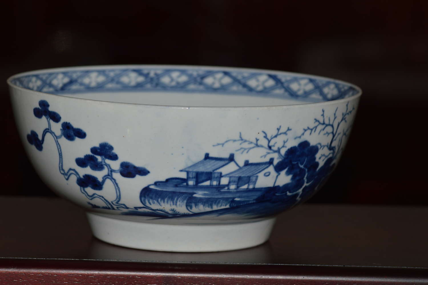 18th Century Worcester Blue and White 'Precipice' Pattern Bowl