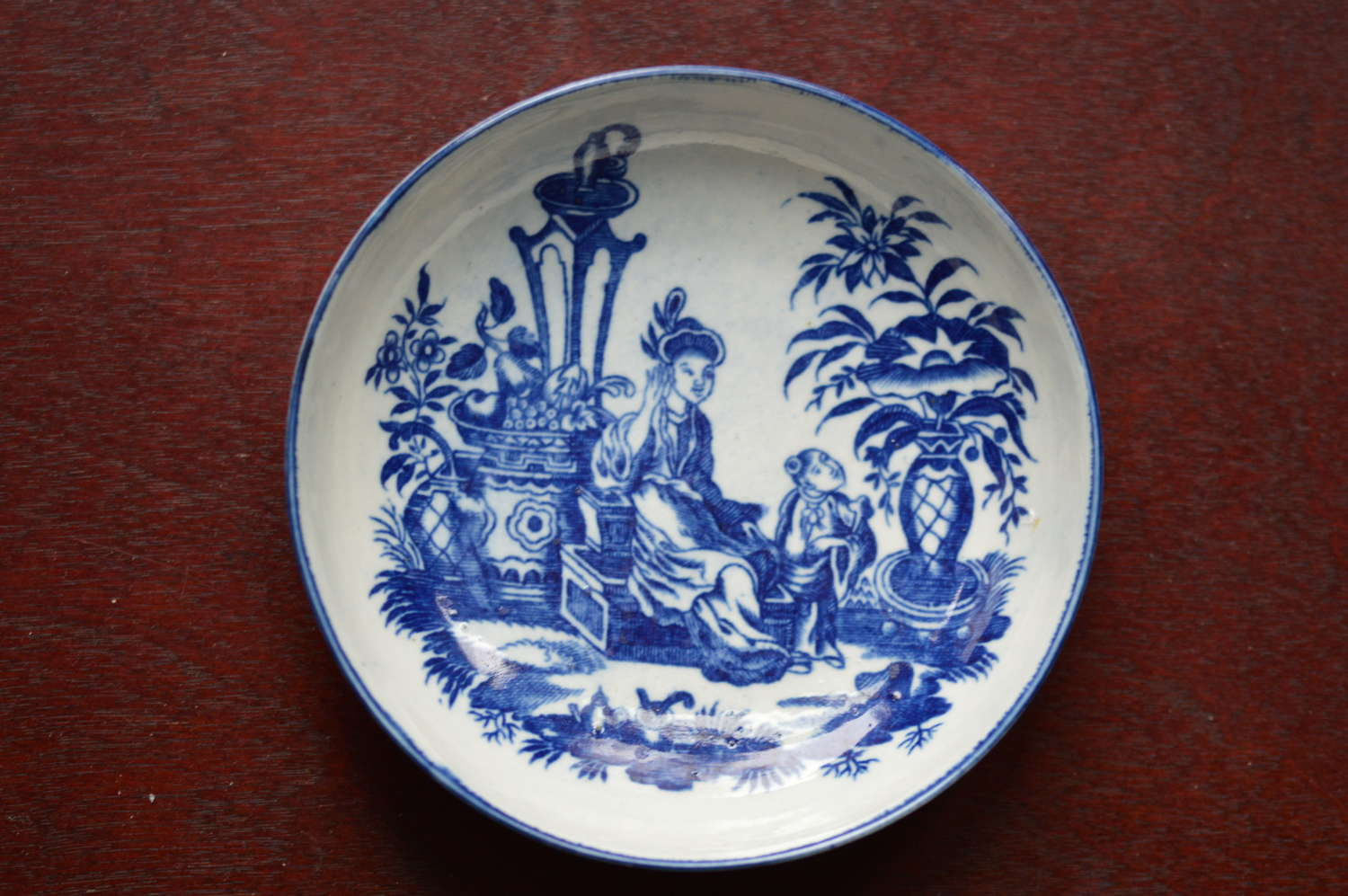 18th Century Worcester Chinoiserie 'Mother and Child' Saucer