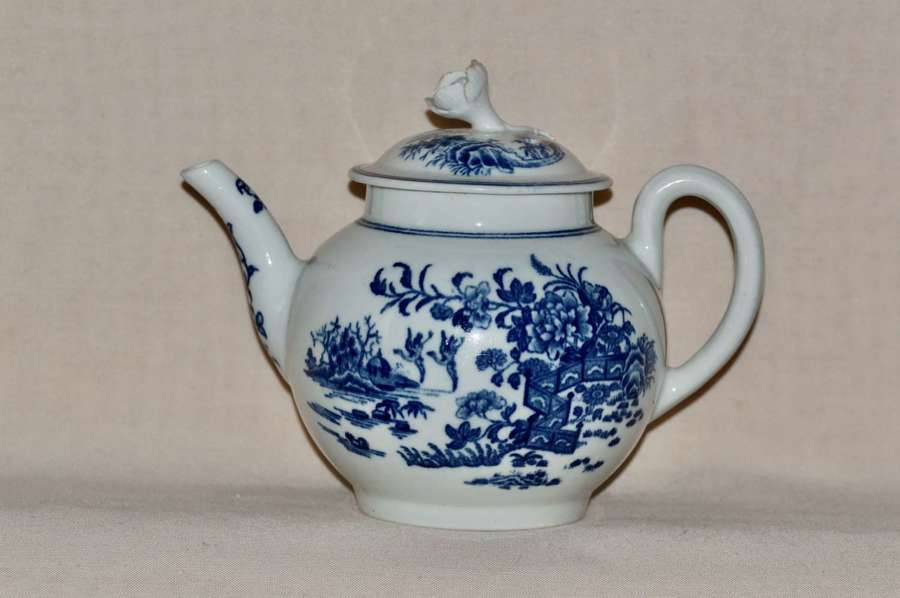 1765-85 Worcester 1st Period  Small Round Teapot