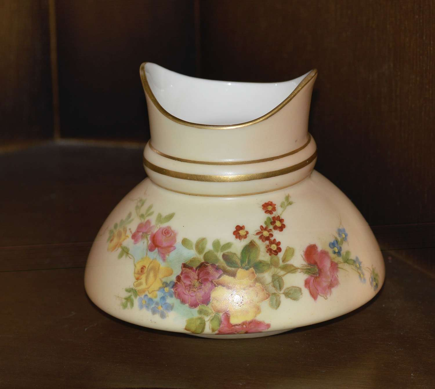 1903 Royal Worcester Fine Hand Painted Blush Ivory Vase