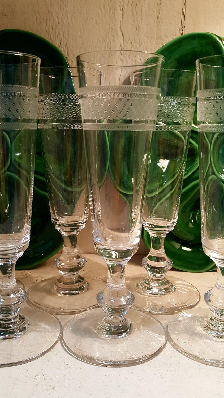 Set of 12 vintage french crystal champagne flutes