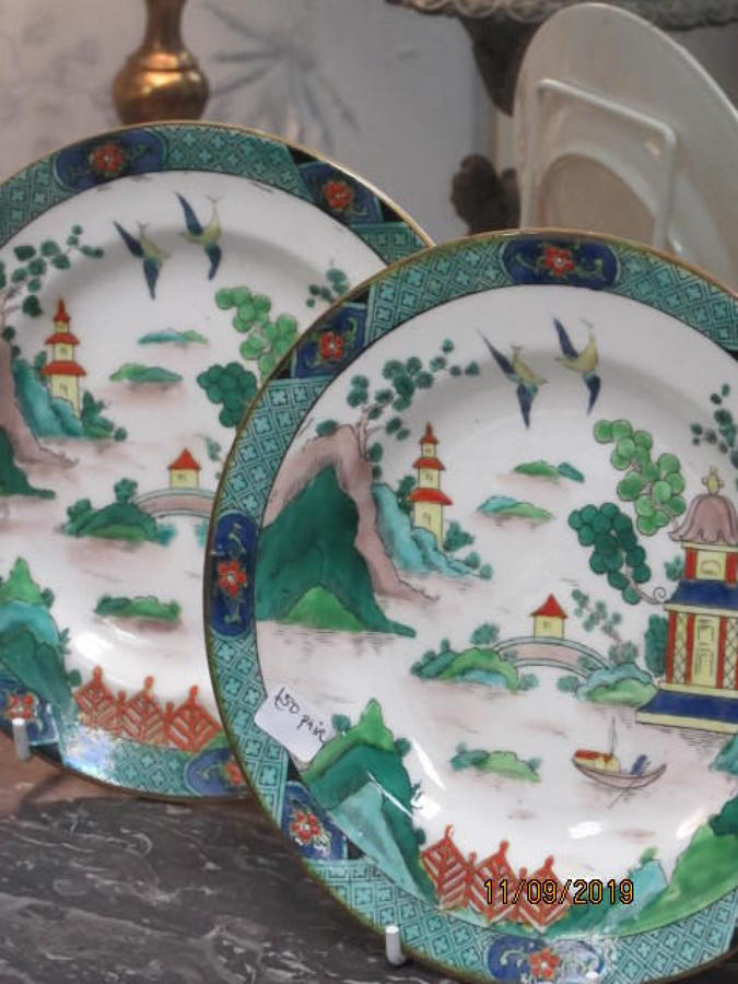 Pair of 19thc staffordshire plates