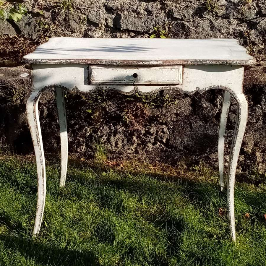19thC painted French table with cabriole legs