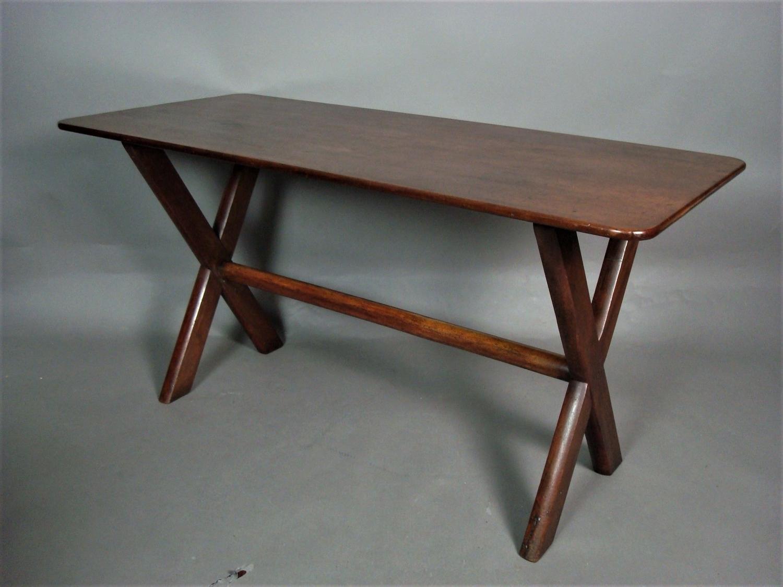 Georgian mahogany tavern table