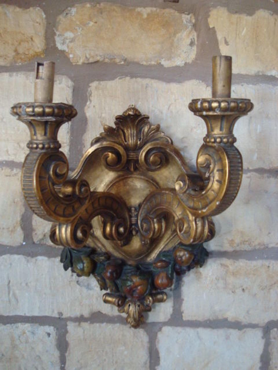 C19th Italian carved giltwood wall light