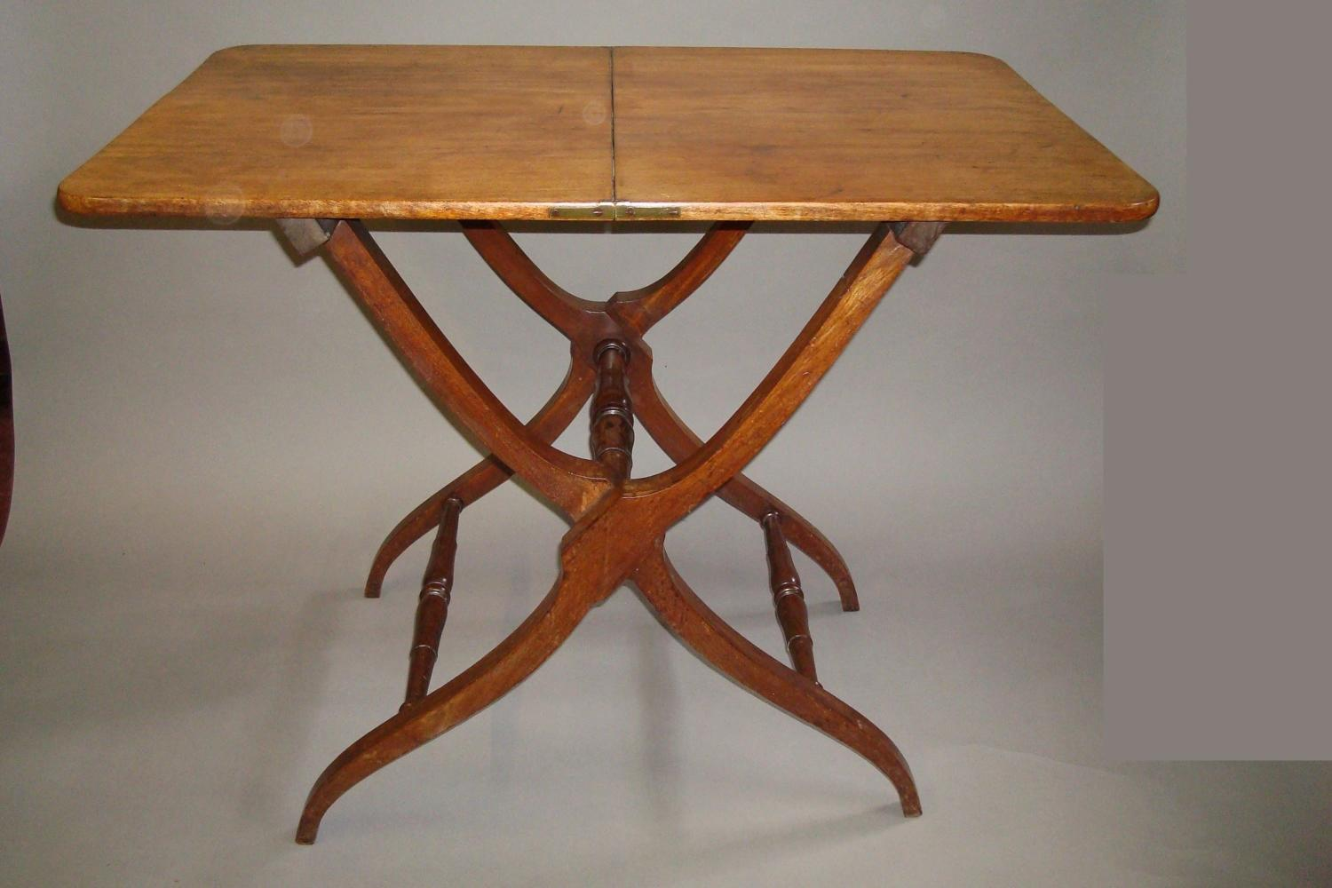 Regency mahogany folding coaching table