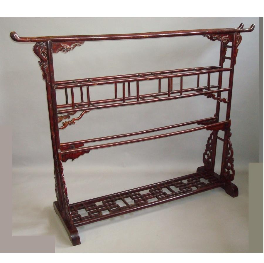 C19th Chinese lacquered robe stand