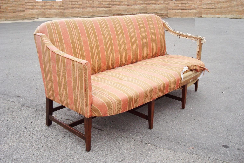 George III mahogany Hepplewhite style settee