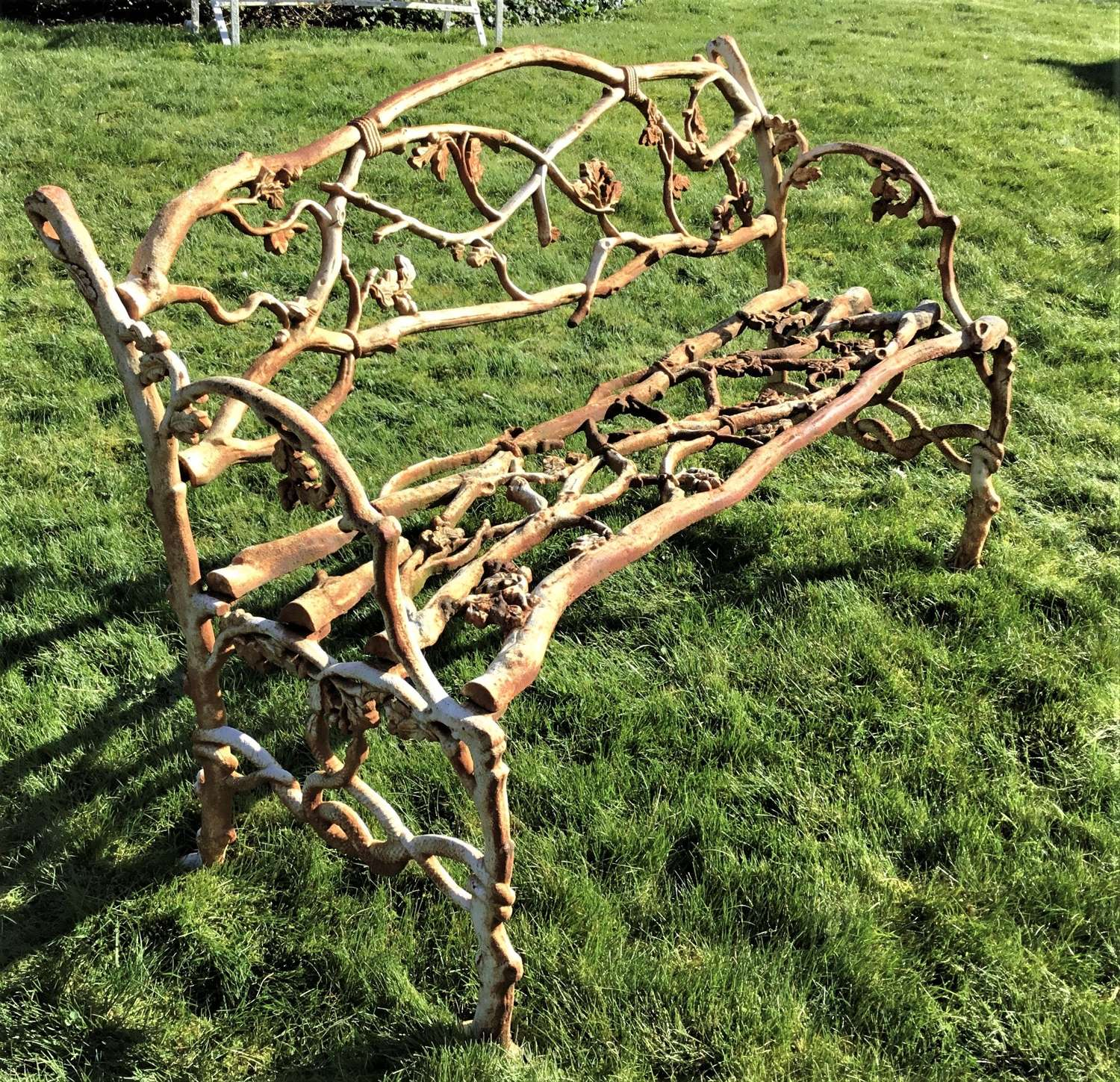 C19th cast iron 'Serpent and Twig' pattern garden seat / bench