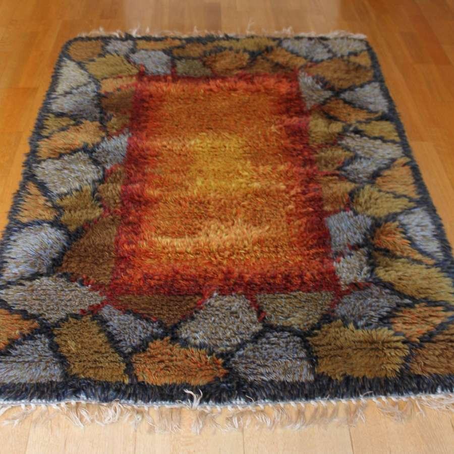 Rya woollen rug Sweden 1970s Crazy paving design