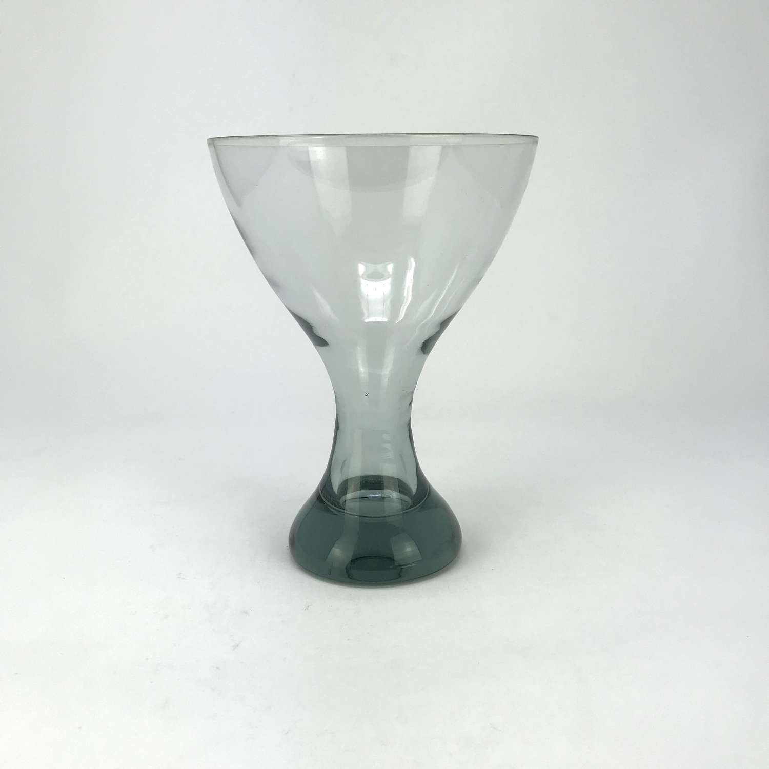 Vicke Lindstrand Smoky Grey Goblet for Kosta, Sweden 1958