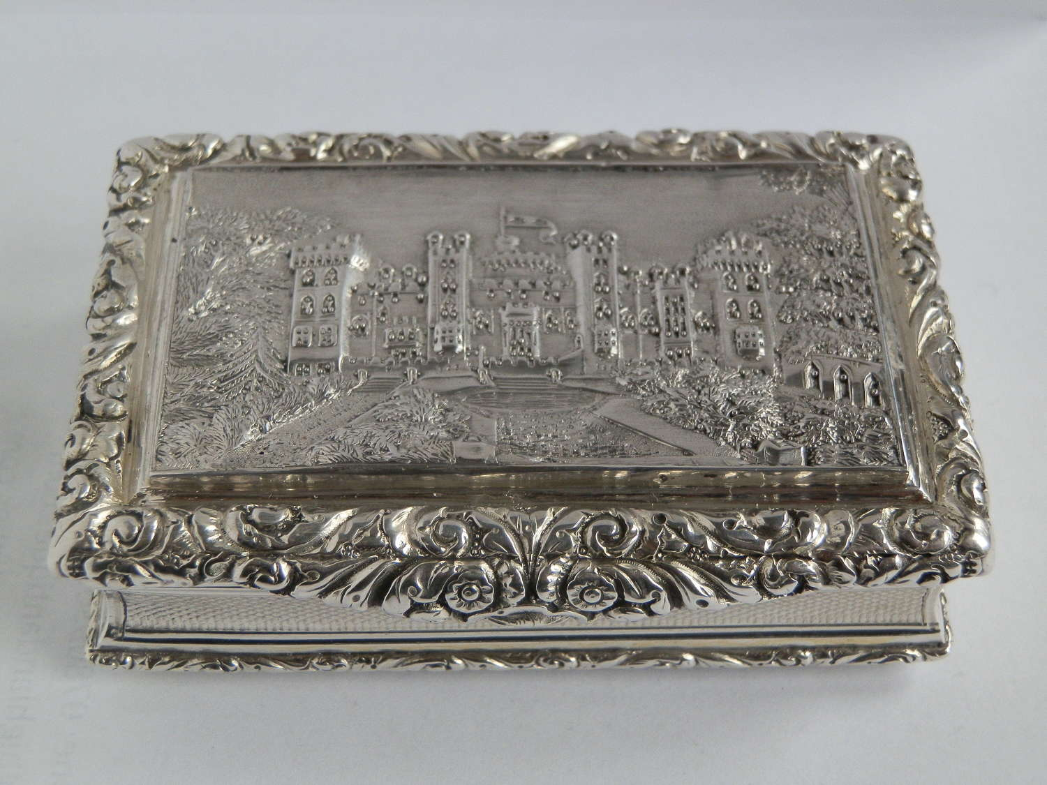 George IV Windsor Castle snuff box, Taylor & Perry, 1823