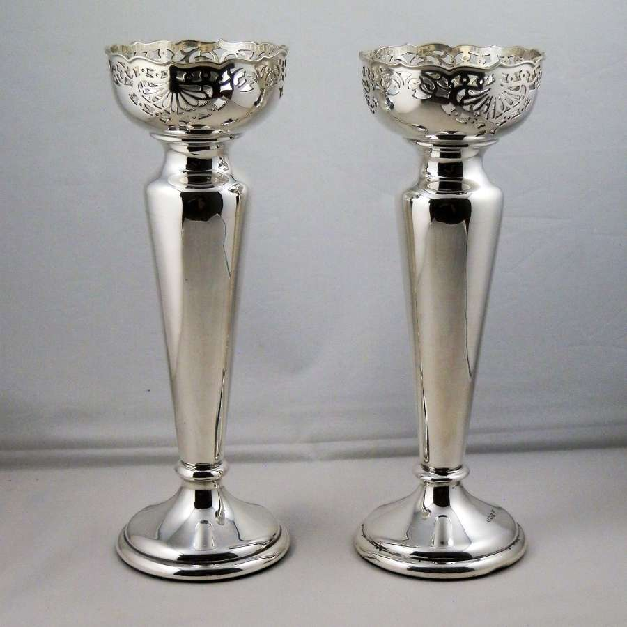 Pair of Victorian silver vases, Sheffield 1894