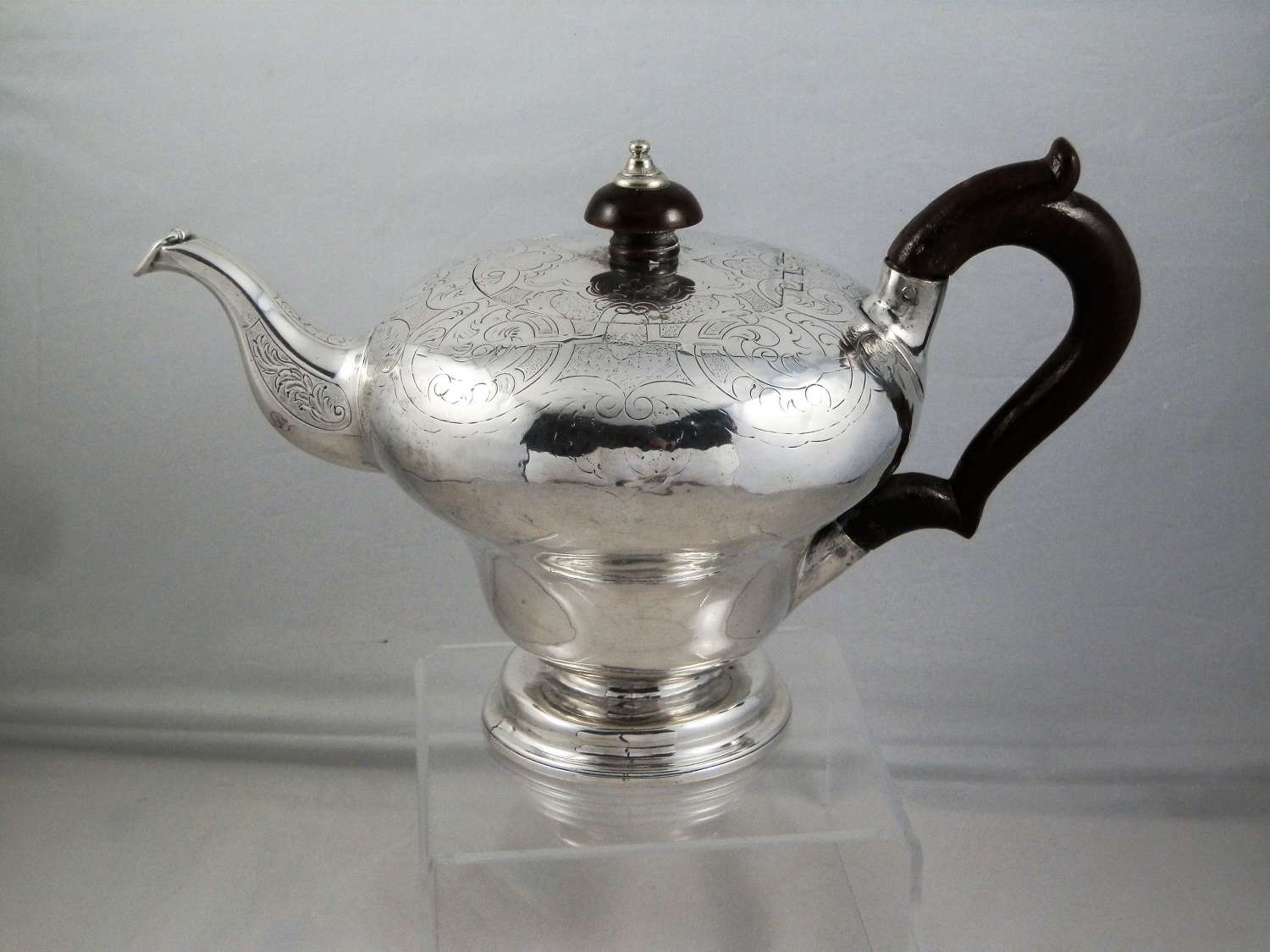 William IV silver teapot, London 1836