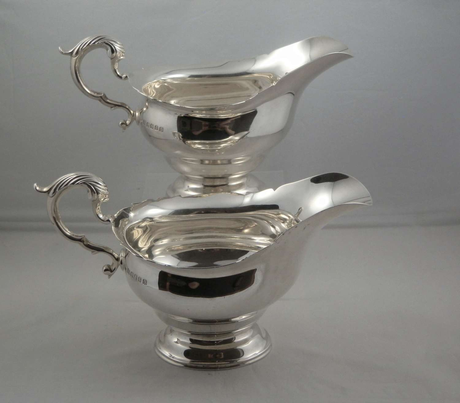 Scottish pair of silver sauce boats, Glasgow 1937