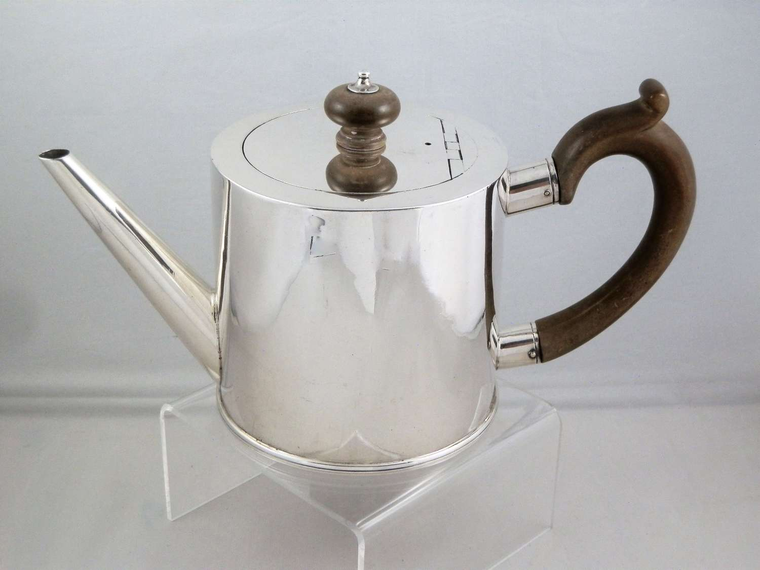 George II silver drum teapot, London 1755
