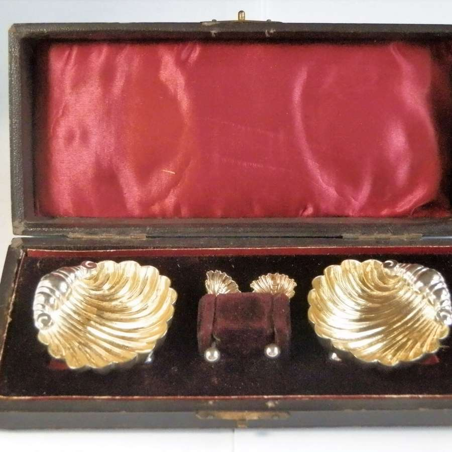 Victorian cased silver shell salts, Birmingham 1886