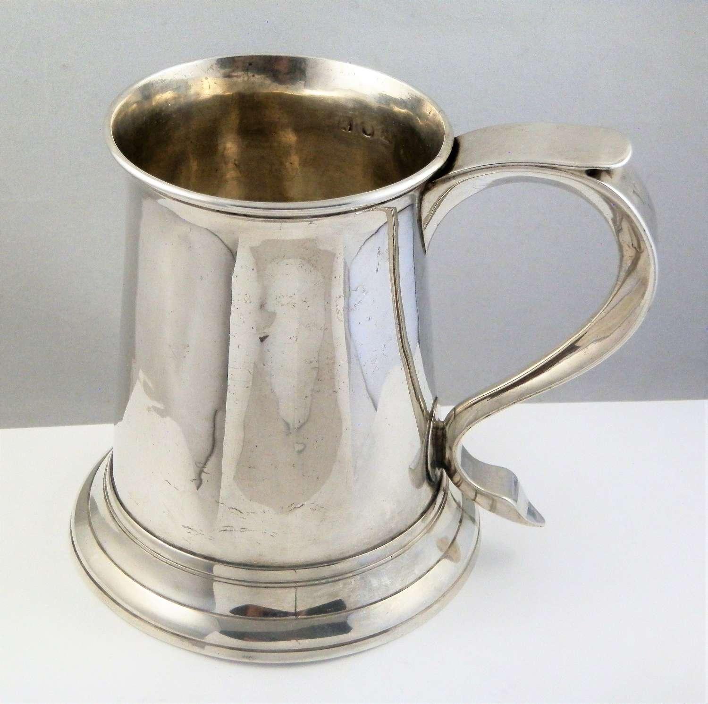 George III silver pint tankard, London 1770