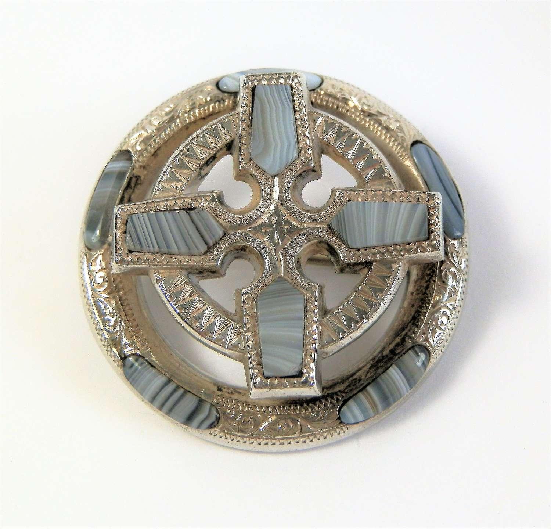 Scottish Victorian Montrose agate brooch c.1880